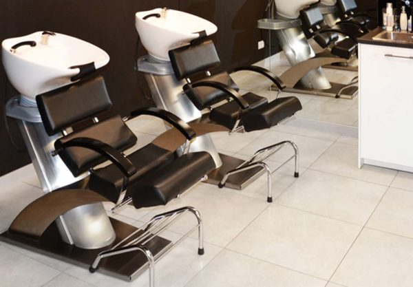 Wyposażenie salonu fryzjerskiego porady na blogu fryzjerskim OkiemFryzjera.pl